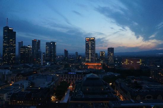 Jumeirah Frankfurt: Frankfurt skyline at 10pm