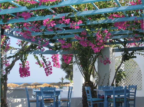 Sigalas Hotel: Piscina e spiaggia