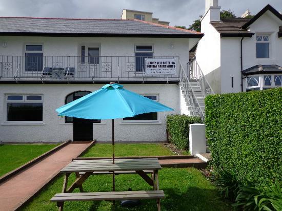 5 Strathallan Apartments: Garden