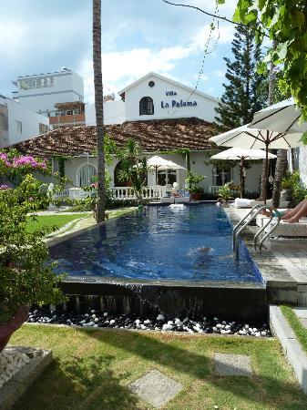 La Paloma Hotel : Gartenanlage mit Pool