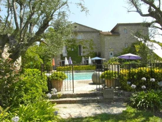 Manoir de l'Etang : la terrasse et piscine