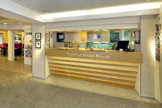 Royal Hotel Zurich: Reception / Lobby