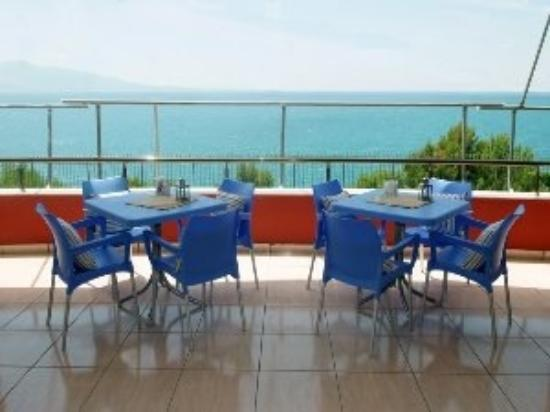 Resort Hotel Mario: hotel bar