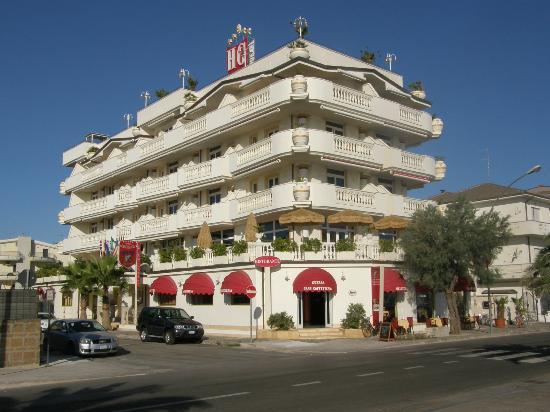 Hotel guerra francavilla al mare italia prezzi 2018 e for Mobilia arredamenti francavilla al mare