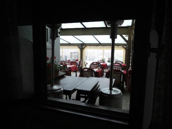 Restaurant at Auberge de la Dune : vue de la chambre.... sur la salle à manger !!
