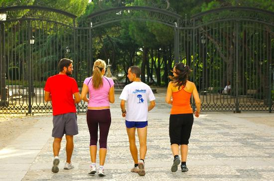 Madrid Outdoor Sports: Good running in good company.