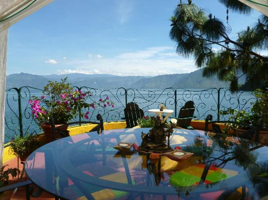 Kaalpul Atitlan Eco Hotel & Spa: Dine lakeside, in-room or in our community dining area