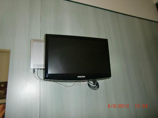 Principe di Piemonte Hotel: tv LCD con decoder Sky