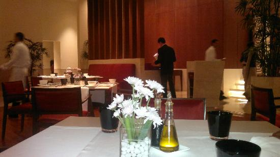 The Oberoi, Gurgaon : Contemporary ambience at 361