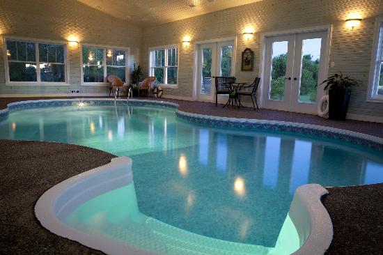 The Graham Inn: Indoor Salt Water Pool