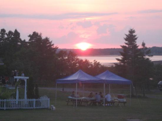 Cambra Sands: sunset at Malagash