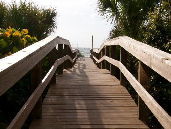 DoubleTree by Hilton Hotel Cocoa Beach Oceanfront: Our Private Beach Walkway Over the Dunes