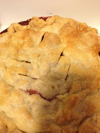 Kents Hill, ME: Three berry pie