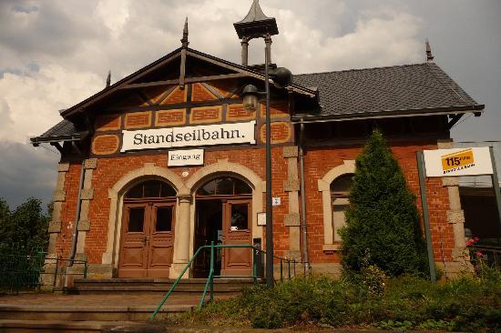 Standseilbahn Dresden: Bergstation am Luisenhof