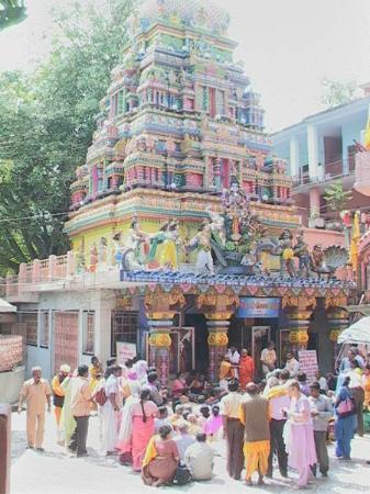 Pauri Garhwal District, Ấn Độ: the temple neelkanth mahadev