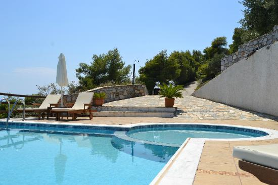 Skiathos Garden Cottages: Super Idro!