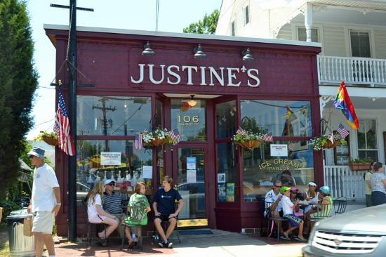 Justine's Ice Cream Parlor : Justine's