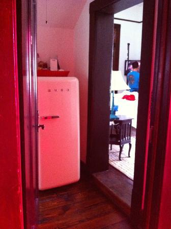 Hotel Havana: Big minibar