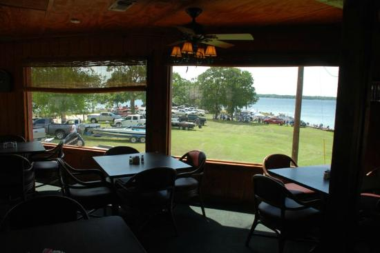 Oak Ridge Marina Motel & Restaurant: Dining Room