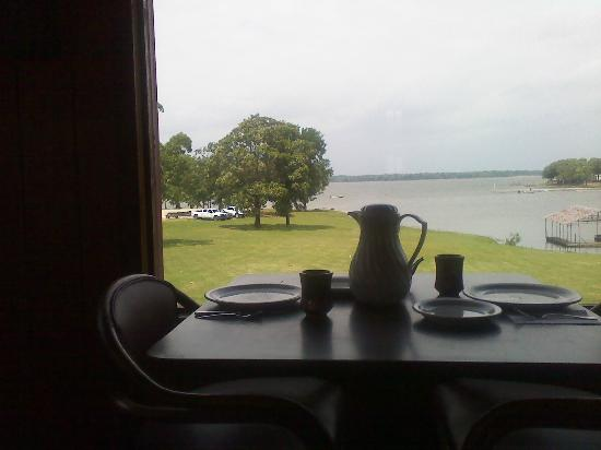 Oak Ridge Marina Motel & Restaurant: Lake View Table