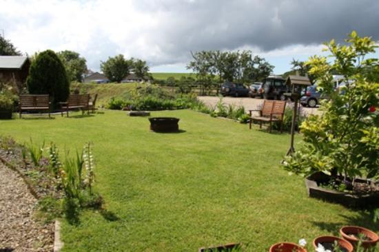 Bridgwater Farm: garden