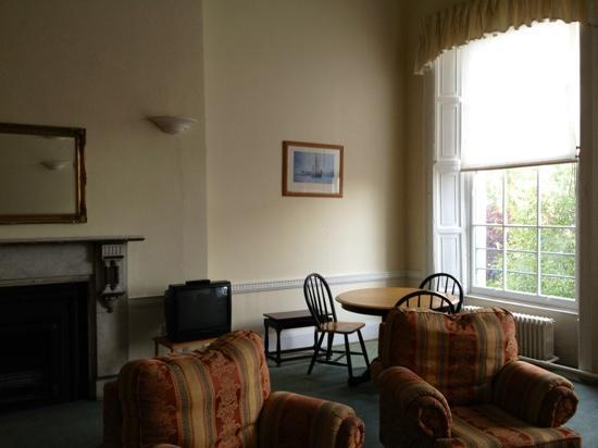MEC Hostel: Fireplace 