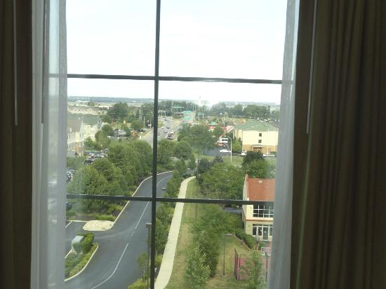 Embassy Suites by Hilton Columbus - Airport: Top floor view out the front.
