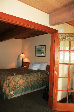 April Point Resort & Spa: French doors to bedroom