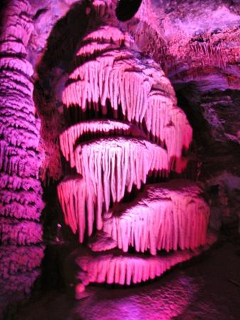 Lewis and Clark Caverns State Park: Formation in cavern (colored lights)