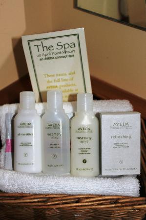 April Point Resort & Spa: Bathroom amenities