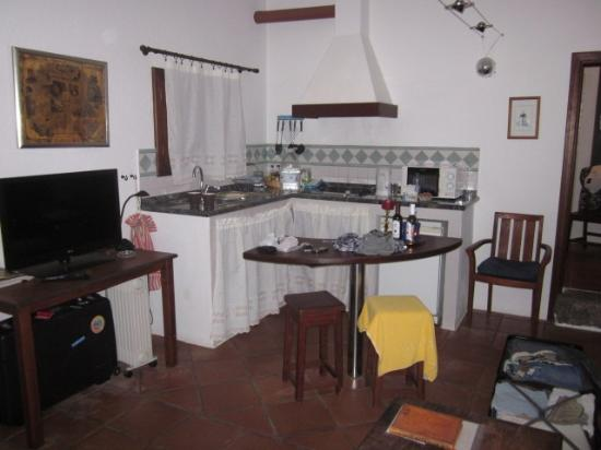 Finca Isabel: Veel te grote keuken voor kleine studio 