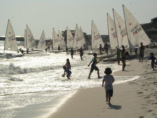 Seaspray Condominiums: Beach