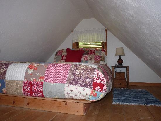 Hoedel's Homestead Cottage: Bedroom