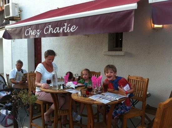 Ó Bain-Marie: terrasse de chez Charlie