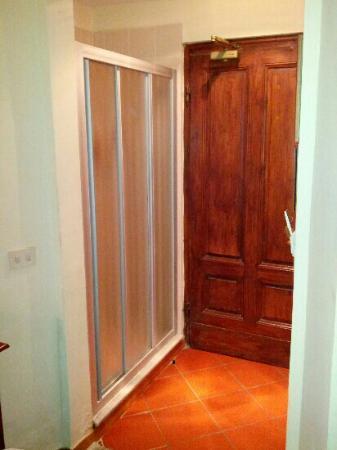 Hotel Cimabue: Doccia camera doppia