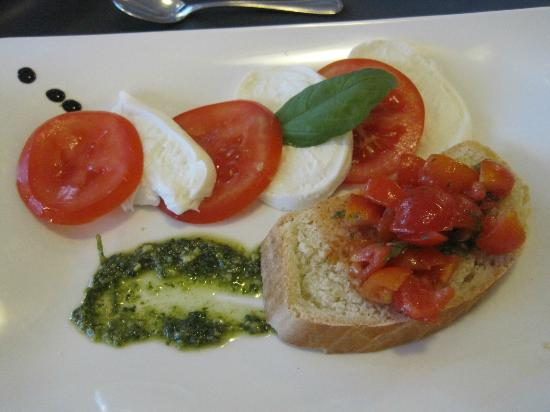 ‪‪Hotel Garda - TonelliHotels‬: Bruschetta style mains in the restaurant