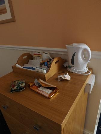 The Babbacombe Royal Hotel: tea and condoments