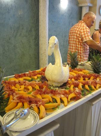 Hotel Garda - TonelliHotels: Gala dinner buffet selection