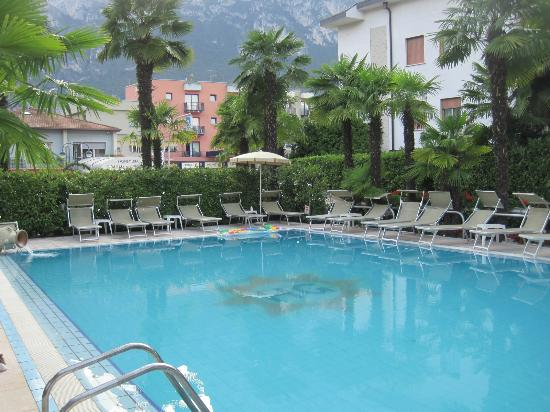 Hotel Garda - TonelliHotels: Pool to main street (in background)