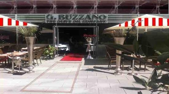 Buzzano: Eingang und Aussenterrasse