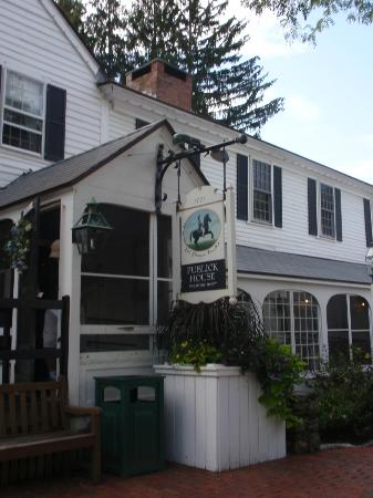 Publick House Historic Inn: Entrance.