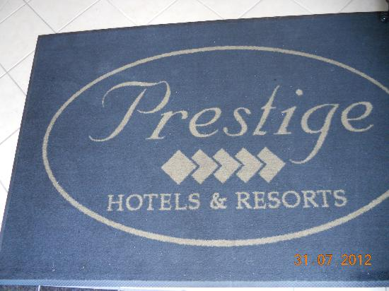 Prestige Beach House: The door mat at the hotel entrance