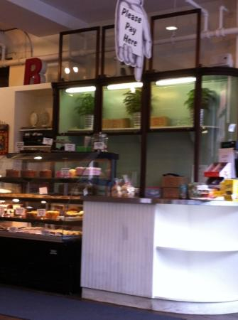 Rocket Bakery and Fresh Food: payer ici...
