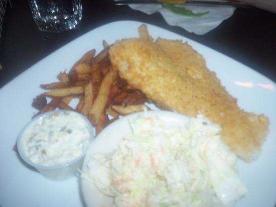 Black Bear Cafe: Fish and chips