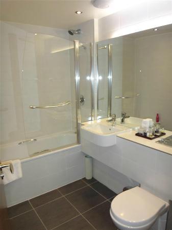 The Dunstane Hotel: Standard Double Bathroom