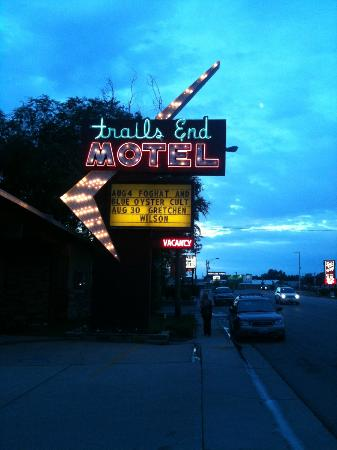 Trails End Motel Sheridan: Foghat is still around?!