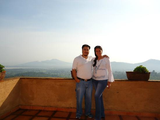 Eco-hotel Ixhi: Ésta es la terraza de nuestra habitación con fondo el lago de Pátzcuaro!!!