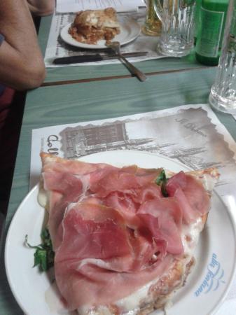 Pizzeria alla Fontana: trancio di pizza