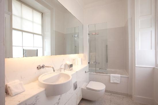 Chandos House: Bathroom