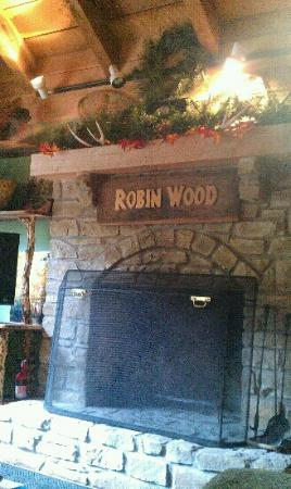 Robinwood Inn: our beautiful fireplace